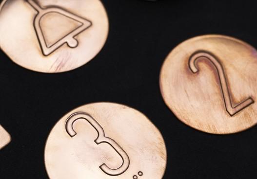 Plaques tactiles en cuivre